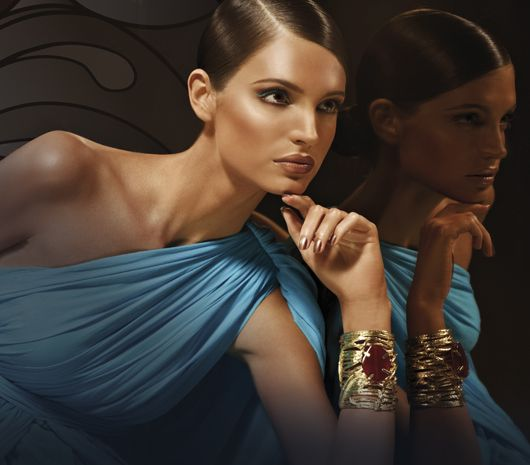 Wij zoeken voor jou de mooiste make-up en look inspiraties zodat het je helpt bij de keuze van kleuren, hoe je lippen, ogen, wangen, mond en niet te vergeten de huid kunt opmaken. Professionele Make-up** www.extreme-beautylife.nl**