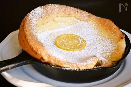 ダッチベイビーは ドイツ生まれのパンケーキ。ふわふわもちもち感がおいしく 軽めなのでダイエットが気になる方にもおススメ。この焼き方を覚えたらポップオーバーも簡単に作れちゃいます。
