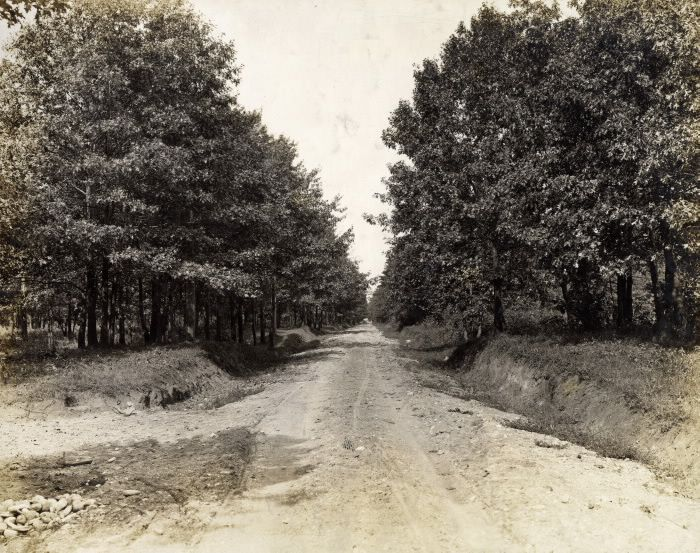 Toronto was a different place before the first world war... this image shows Baby Point Rd., looking west from Jane Street, a hundred years ago (in 1913). Today, the Bloor West Village is a much more urban landscape!