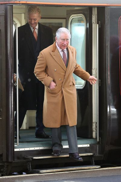 Prince Charles Photos - Prince Charles, Prince of Wales arrives at Durham train station on February 15, 2018 in Durham, England. - Prince Charles Photos - 80 of 20570