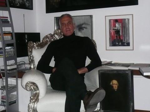 Da riservati e dietro le quinte a soggetti attivi del mondo dell'arte. Ne abbiamo parlato e ne parliamo proprio con loro, per capire le ragioni di questo fenomeno. Ripercorrendo, nel frattempo, la loro storia (nell'arte). Il primo protagonista di questo percorso viene dalla Capitale: è Antonio Martino.