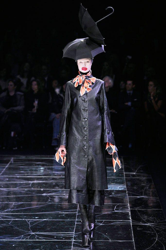 Alexander McQueen Fall 2009 Ready-to-Wear Fashion Show - Siri Tollerød
