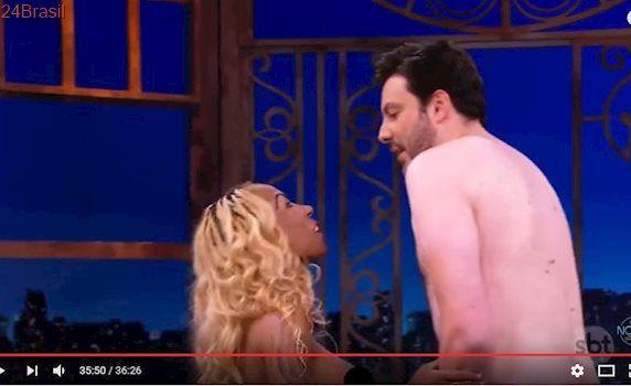 Danilo Gentili e Inês Brasil ficam nus em programa e web surta – VEJA VÍDEO