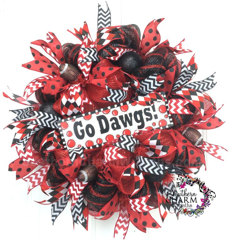 Deco Mesh Georgia Football Wreath -Go Dawgs -Bulldogs Decor by www.southerncharmwreaths.com #georgia #dawgs #football #decor