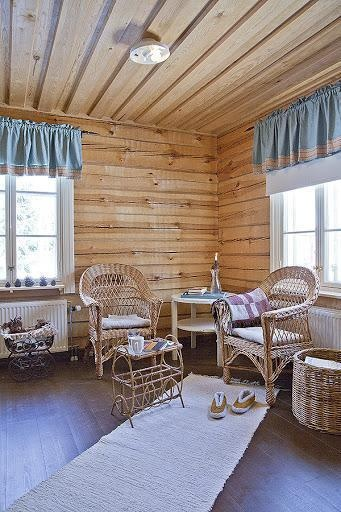 Log house for sale in Kangasniemi, Finland / One of the small rooms