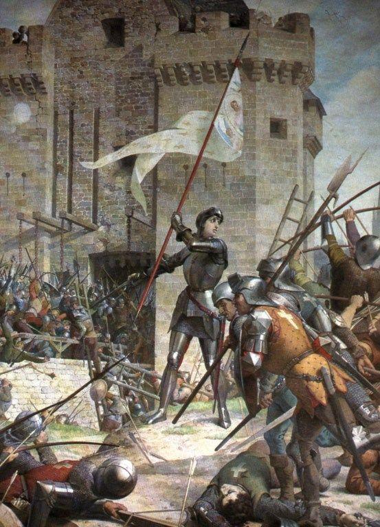 """Joana D'Arc   """"Portando roupas masculinas até sua morte, Joana atravessou as terras dominadas por Borguinhões..."""" via wikipedia"""