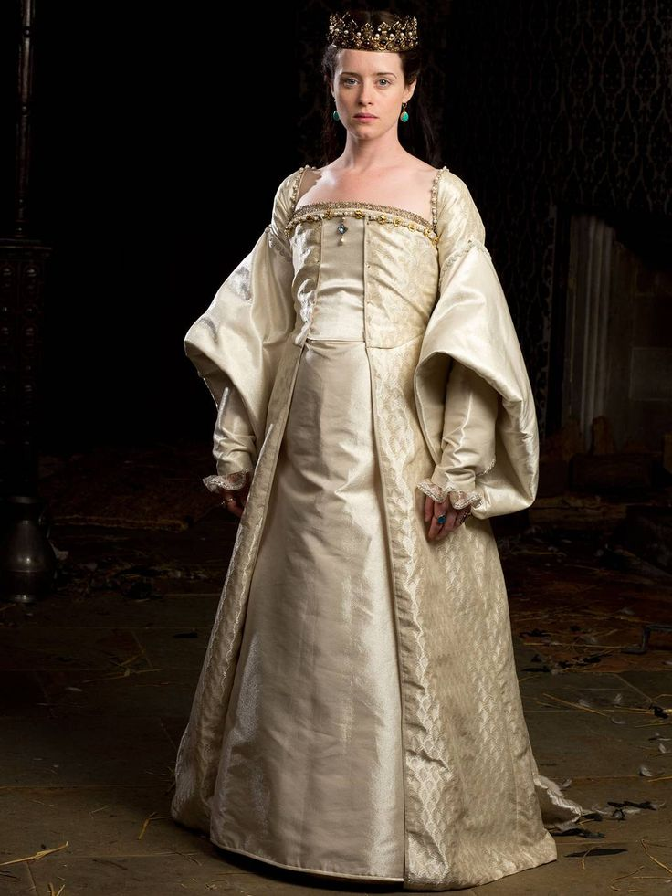 Claire Foy as a pregnant Anne Boleyn in her coronation gown in Wolf Hall (2015)