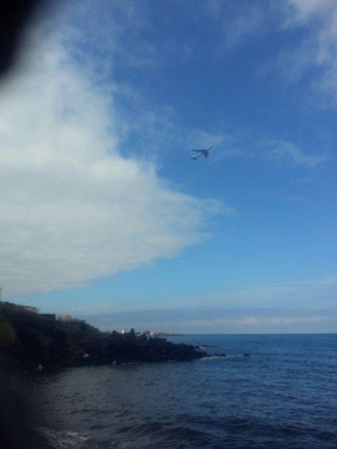 비행기 하늘 바다
