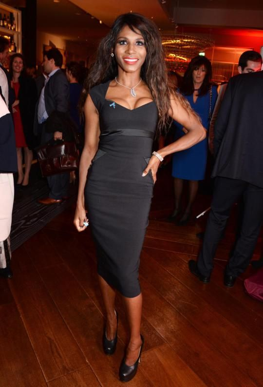 Xtra Factor: Host Sarah-Jane stunned in to silence by Sinitta - she is sexy as hell in my view, never mind the C word - how about my word!!