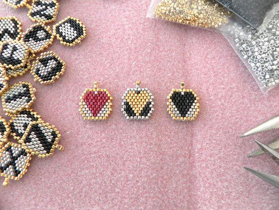Chaine coeur noir perles personnalisé initial collier par LiBeadi