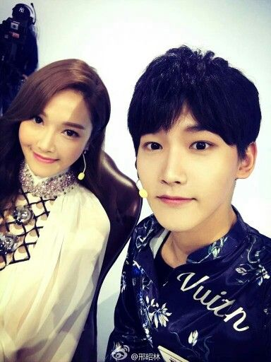xing zhaolin邢昭林 weibo update with jessica jung  artis