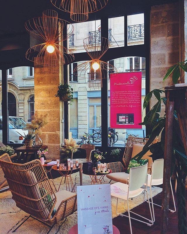 Evenement @mademoiselle_bio alliant bien être et beauté 🌱💁🏻 Vite une boutique à Bordeaux ❣️ . . .  #mademoisellebio #bio #beauty #naturalbeauty #makeup #biomakeup #naturalmakeup #paris #france #bordeaux #cosmetics #cosmebio #girly #event #popbordeaux #event #igersfrance #igersgironde #igersbordeaux #iphoneonly #vsco #vscocam Natural Beauty from BEAUT.E