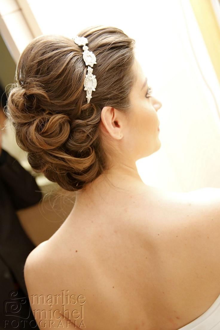 Penteado preso para noiva Aline