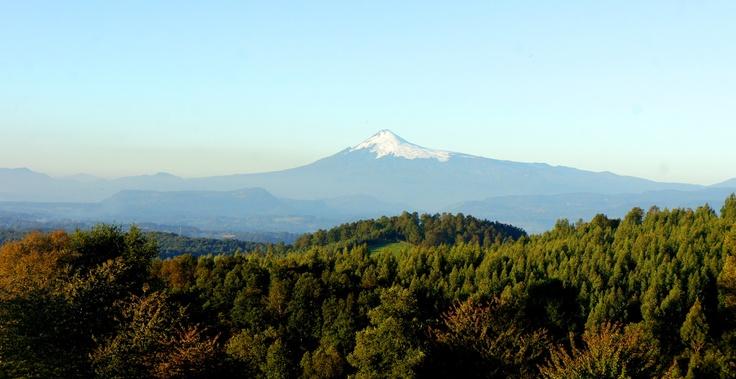 Volcán Villarrica visto desde el cerro Ñancul. Foto de Diego Zarricueta Rojas.