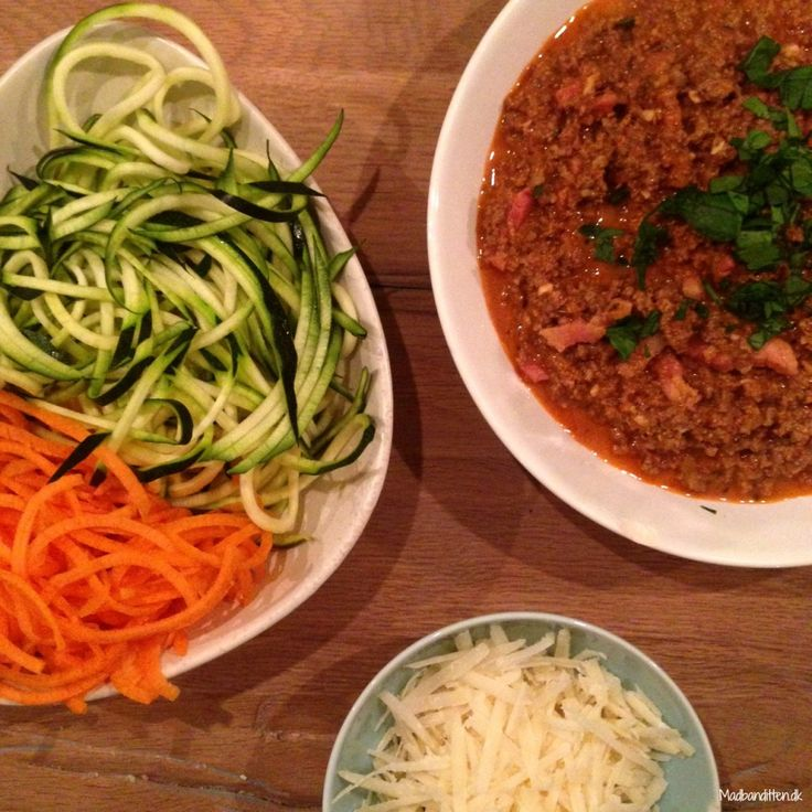 Minced beef sauce with veggie spaghetti #LCHF
