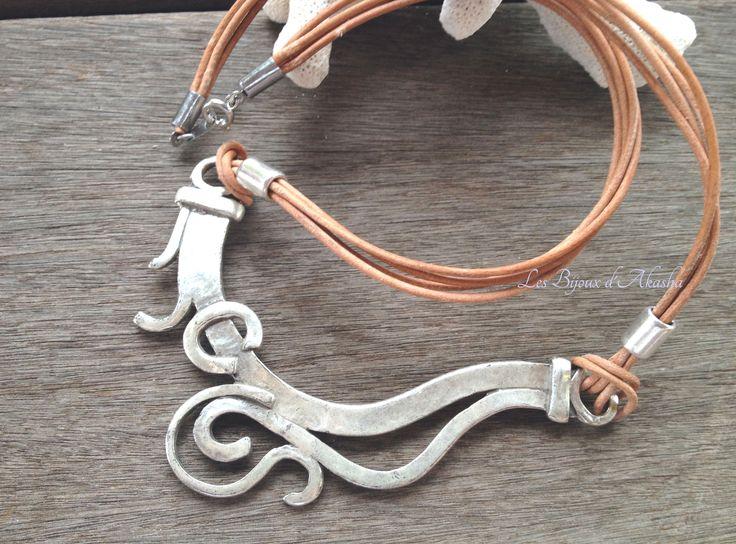 collier ethnique grand pectoral à volutes plaqué argent HQ, cuir et acier inoxydable : Collier par les-bijoux-d-akasha