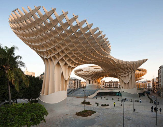 Jürgen Mayer H., Metropol Parasol, Seville, Spain ©  Fernando Alda. Wood Architecture Now! Vol. 2