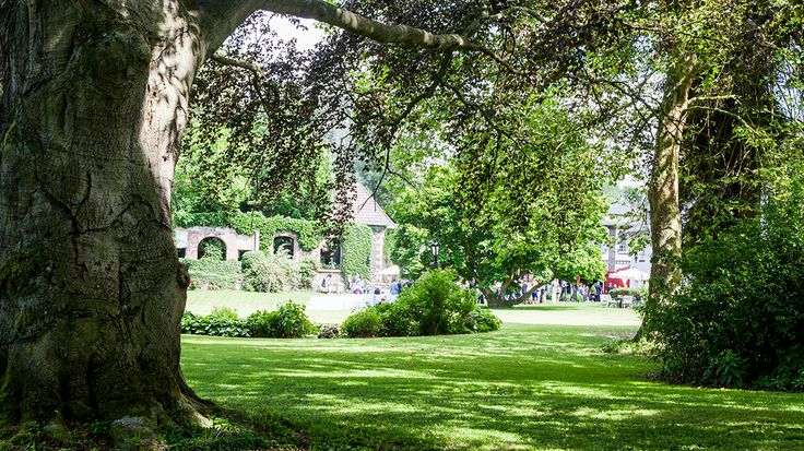 Märchenhafter Park | Hochzeitslocation . wedding venue | Rheinland . Eifel . Koblenz . Gut Nettehammer |