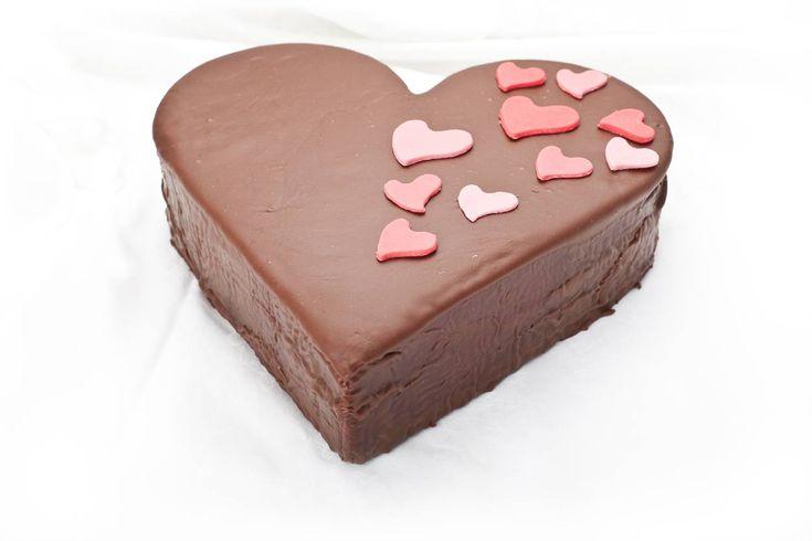 Torta di San Valentino: la ricetta per un dolce speciale che renderà unico il vostro 14 febbraio con il partner, per un Giorno degli Innamorati speciale