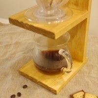 丸くくりぬく「穴あけ加工」でカフェタイムに便利な道具をDIY