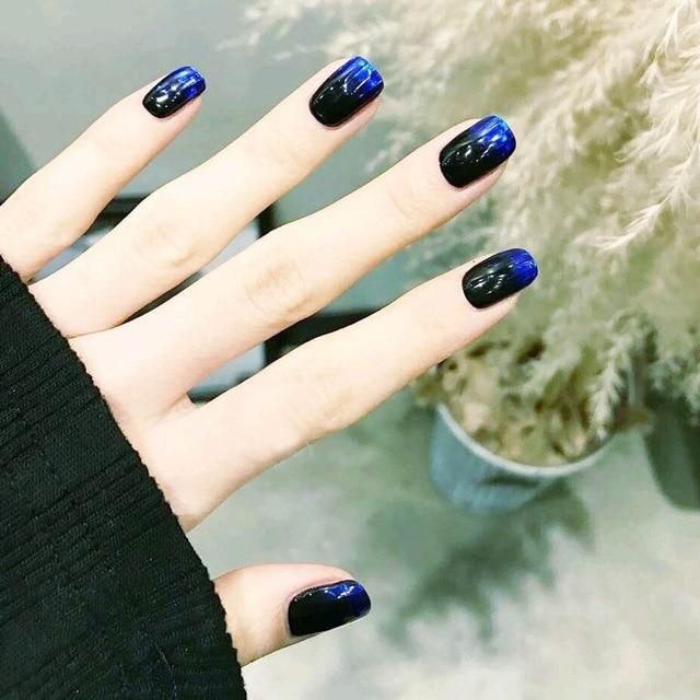 Squoval Black & Blue Faux Nails – fingernails
