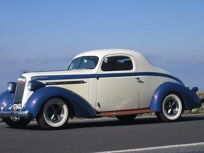 Studebaker Dictator Coupe 1936.