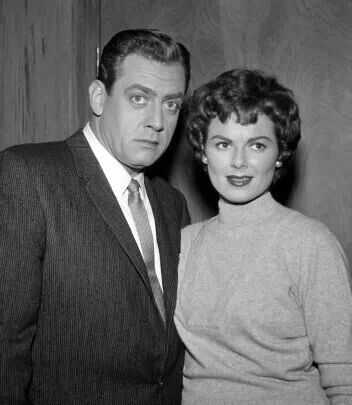 Raymond Burr & Barbara Hale as Perry Mason & Della Street