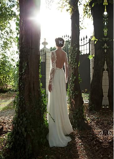 [153.50] Elegant Tulle & Chiffon Bateau Neckline Natural Waistline Sheath Wedding Dress With Beaded Lace Appliques