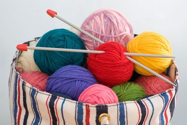 Looking for free knitting patterns? We've got a collection of 140 easy knitting patterns for you to enjoy!