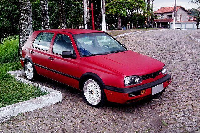 Golf 1997 vermelho fosco, fenders, iluminação e rodas esportivas, enviado por Helom