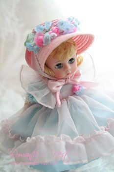 Madame Alexander via ❤ Pink & Blue ❤ | Pinterest)