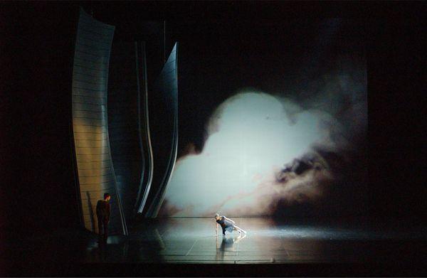 Opera de Paris Set and costum design Alain Lagarde Chorégraphie : Michèle Noiret
