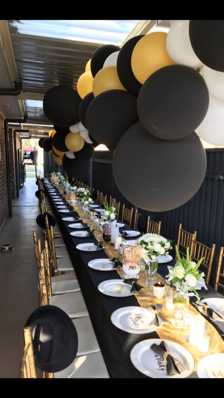 50th long table setting black gold and white sara. Black Bedroom Furniture Sets. Home Design Ideas