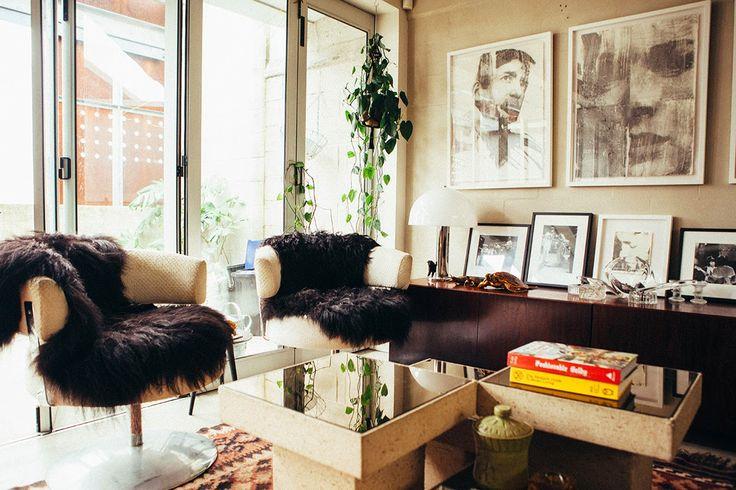 我們看到了。我們是生活@家。: 在生活中增添植物的綠意!紐西蘭Charlotte Rust的公寓,以植物軟化了混凝土的剛硬感