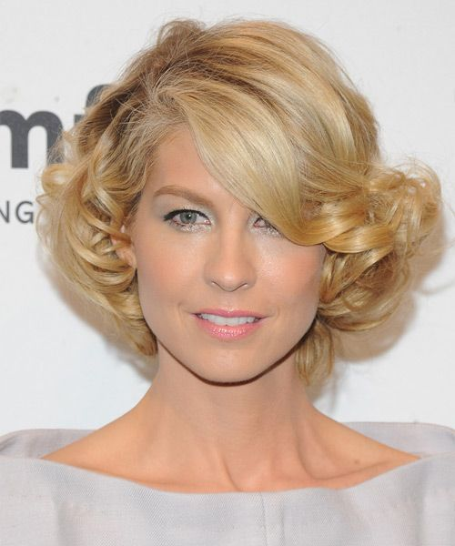 Jenna Elfman - Formal Short Curly Hairstyle