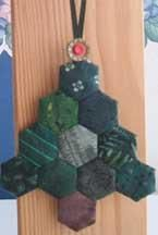Hexagon Tree Ornament   Have some fun with the most common shape used in English Paper Piecing: the hexagon!