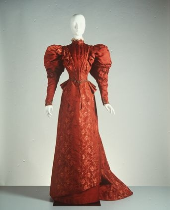 c. 1890-1900 day dress made by David Jones , Australia.  Powerhouse Museum.