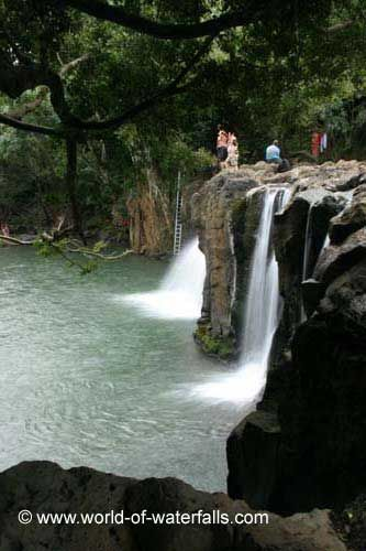 Kipu Falls is a tiny but very popular waterfall that is known more as a swimming hole rather than a scenic falls.  It probably tumbles about 15ft over some slippery rocks (I saw a guy...