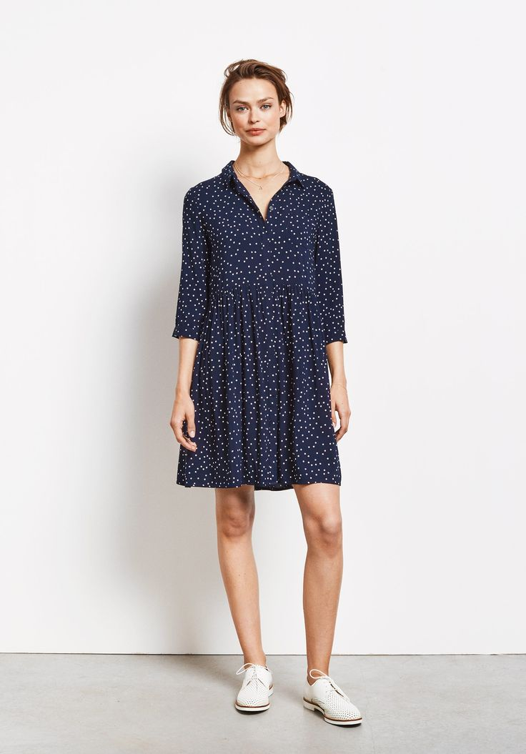 This skater style dress has a delicate star print, and is both relaxed and stylish – perfect for week to weekend.