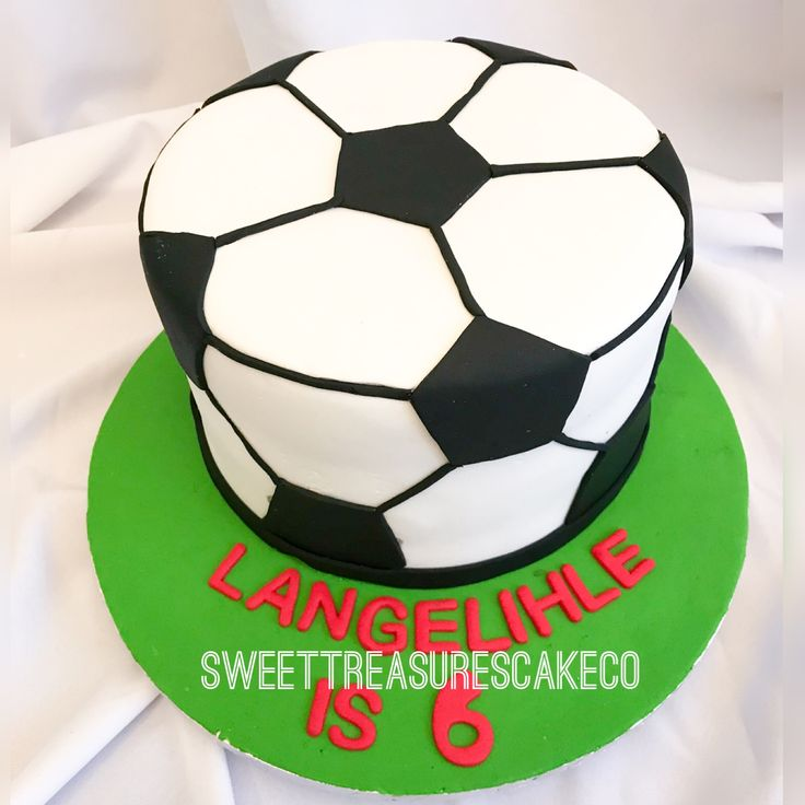 Langelihle celebrated his birthday with soccer themed cake ⚽️⚽️. #sweettreasures #sweettreasurescakeco #soccer #soccercake #cake #kidsparty #langelihle #6yearsold #birthdaycake #johannesburg #southafrica