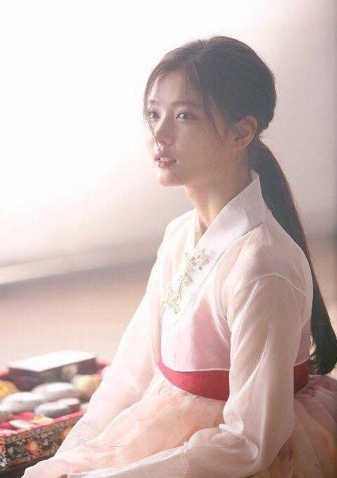Kim Yoo-Jung; Love in Moonlight                                                                                                                                                                                 More