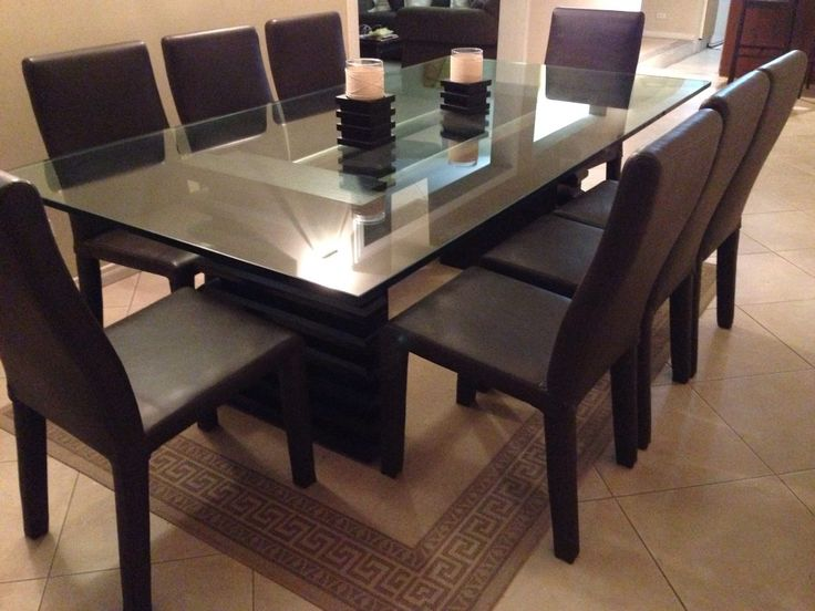 Escoge un sobre de mesa delgado para un aspecto elegante o for Sillas comedor elegantes
