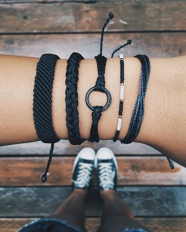 ✖️ Black To Basics ✖️ OBSESSED with our new Matte Black Charms! Free Shipping on all U.S. orders. Click the link in our bio to shop the coll