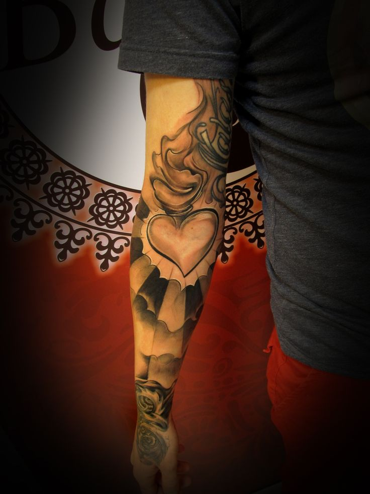 #tattoo #tattooartist #ink #inked #heart #glory #blackandwhite #studio #bardo #studiobardo