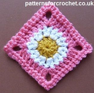 Free crochet pattern for simple granny square http://patternsforcrochet.co.uk/granny-square-usa.html #patternsforcrochet