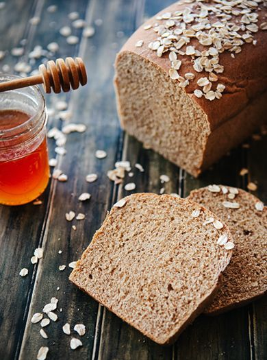 Oatmeal Applesauce Bread This Light And Moist Bread Is Both Healthy And Delicious Perfect For Sandwiches Snacking By Simple Bites Made Without Honey To