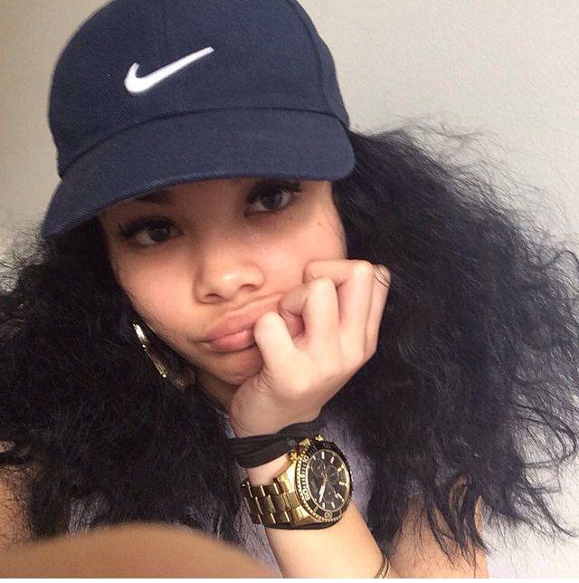 How To Wear A Bucket Hat With Natural Hair