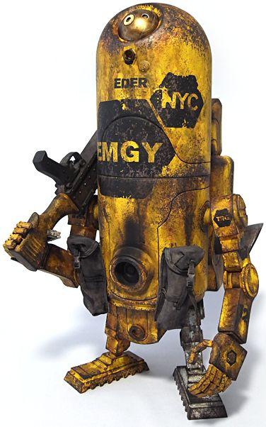 """1G EMGY"" | World War Robot (WWR) Series | Artist: Ashley Wood"