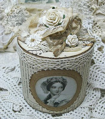 What a beautiful box, would be great to use vintage lace & a vintage family photo!