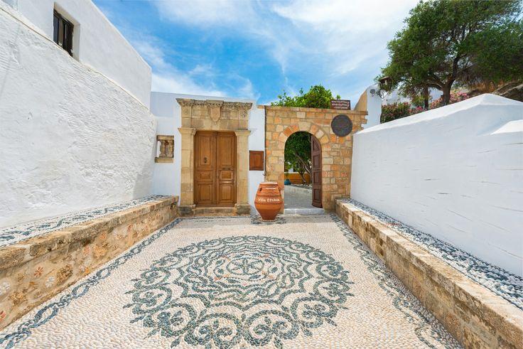 Entrance Luxury Villa Eftihia in the heart of Lindos